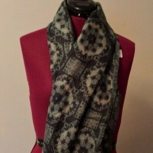 Urban Outfitters Scarf Green Black